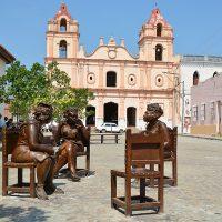CGY – Plaza Del Carmen – Gossiping Women